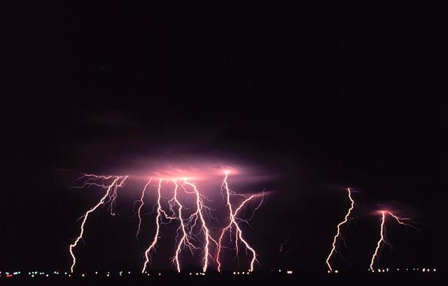 40_lightning.jpg