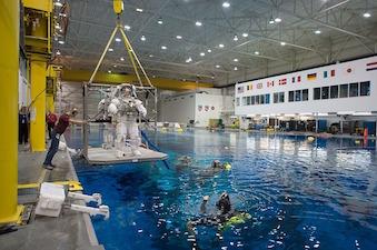 astronaut-1098197_640-1.jpg