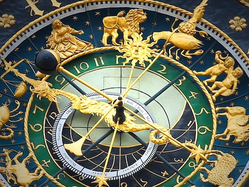 astronomical-clock-408306_640.jpg