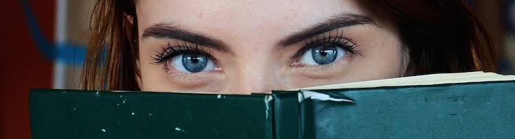 blue-eyes-1684954_1280.jpg