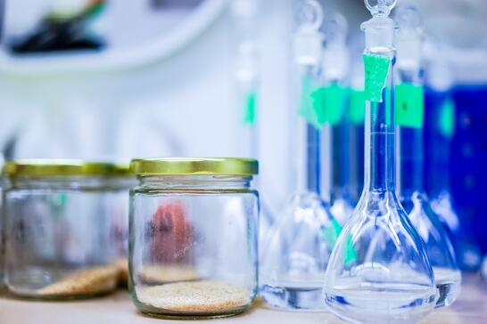 blur-bottle-chemistry-248152