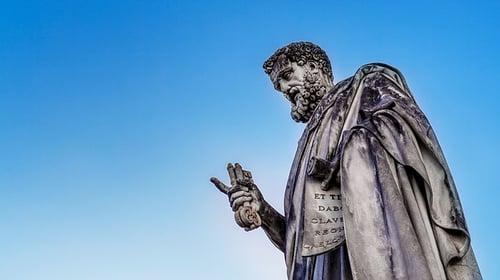 body-ancient-rome-statue-priest