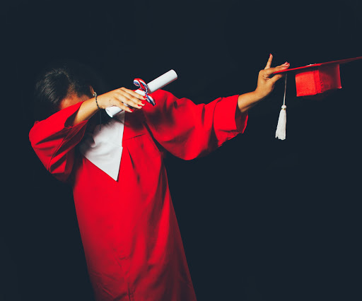 body-graduate-dab-honey-yanibel-minaya-cruz