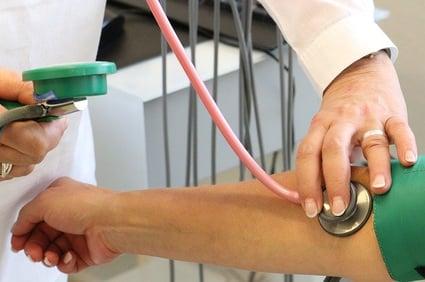 body-nurse-pulse-check