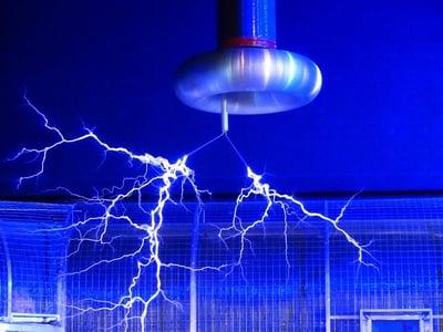 body-physics-lightning-machine