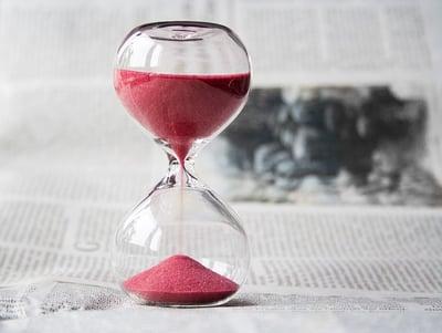 body-red-hourglass-