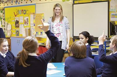 body-teacher-teaching-classroom-cc0