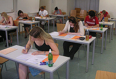 body-test-taking-students