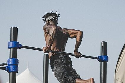 body-train-athlete-bar