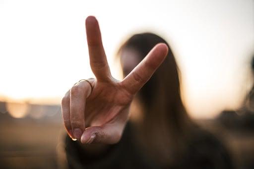 body-two-fingers-priscilla-du-preez