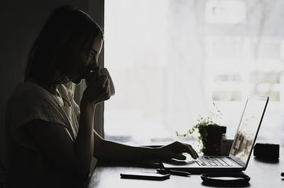 body-woman-laptop-coffee