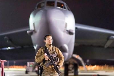 body_air_force_airman_woman_plane