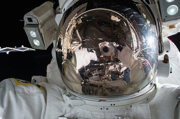 body_astronaut-2.jpg