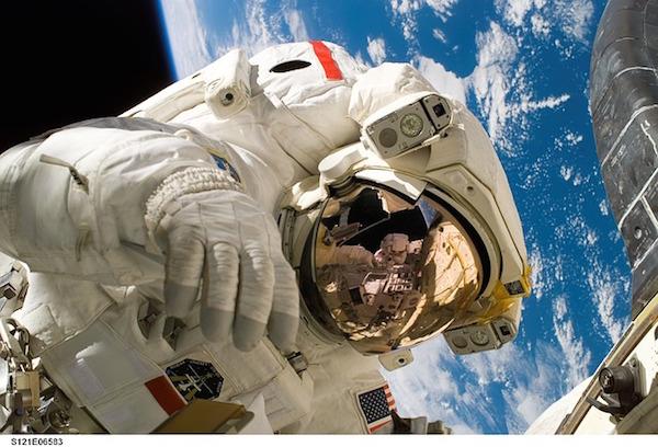 body_astronaut-3.jpg