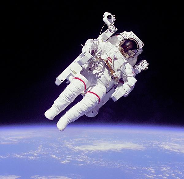body_astronaut.jpg