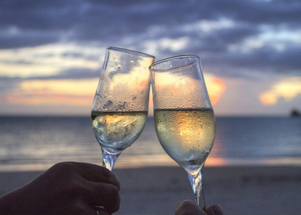 body_champagne.jpg
