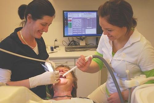 body_dentist_dental_assistant