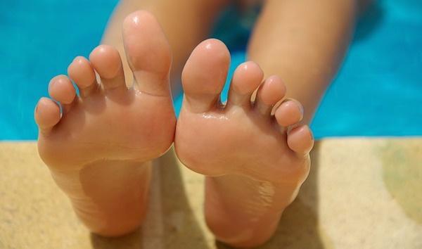 body_feet.jpg