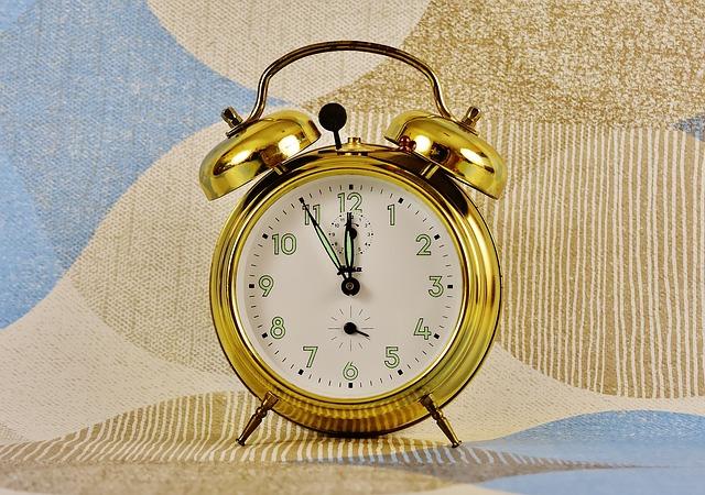 body_gold_clock.jpg