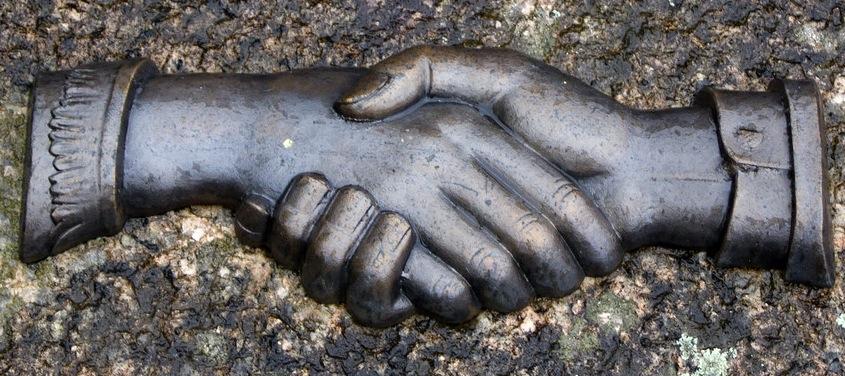 body_handshake.jpg