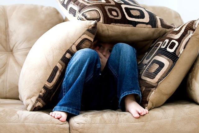 body_hiding_pillow_fort.jpg