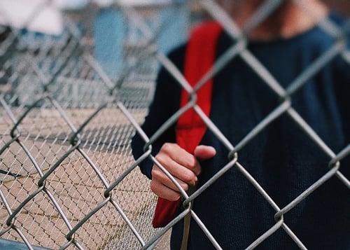 body_high_school_student_fence
