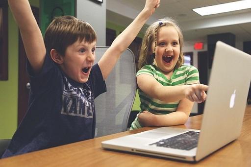 body_kidscomputer.jpg