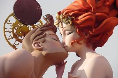 body_kiss.jpg