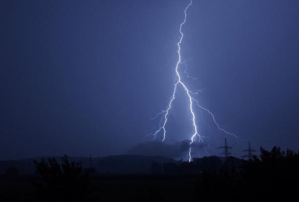 body_lightningflash.jpg