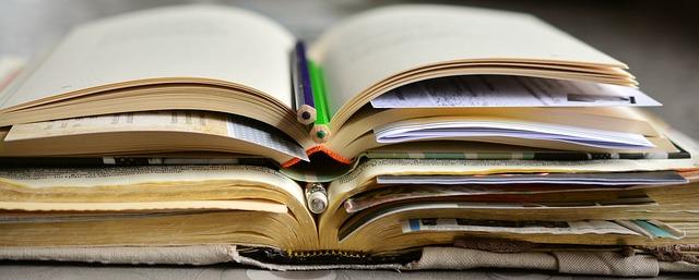 body_open_books_pencils.jpg