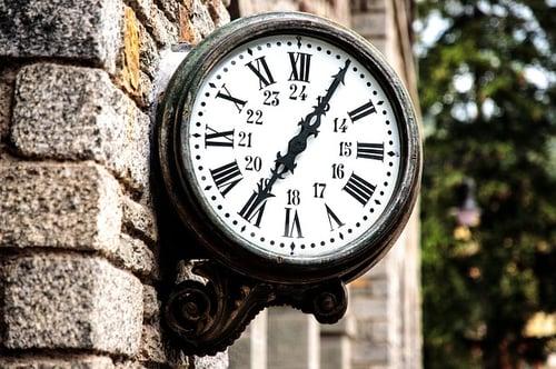 body_roman_numeral_clock