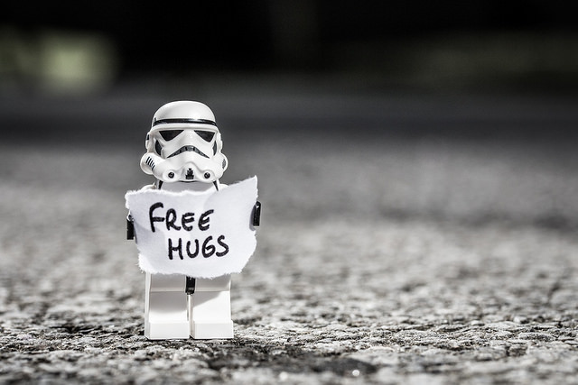 body_star_wars_free_hugs.jpg
