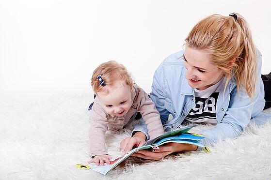 body_toddlerreading