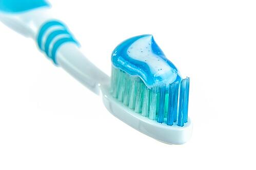 body_toothbrush_toothpaste