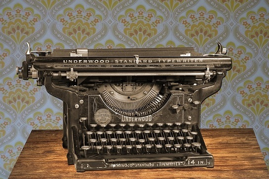 body_typewriter-2.jpg