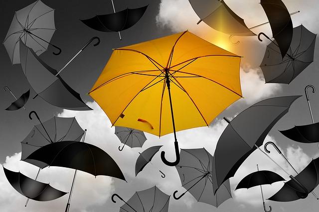 body_yellow_umbrella