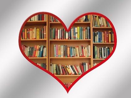 book-112117_640.jpg