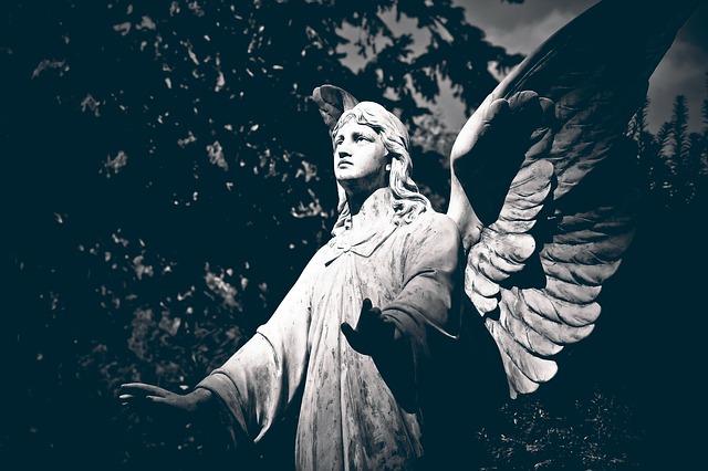 cemetery-1670233_640.jpg