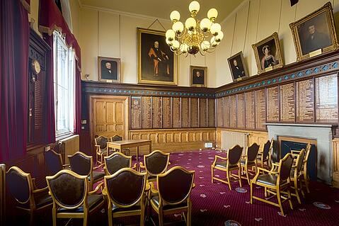 chester-town-hall-3546923_640