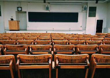 classroom-1699745_1280.jpg