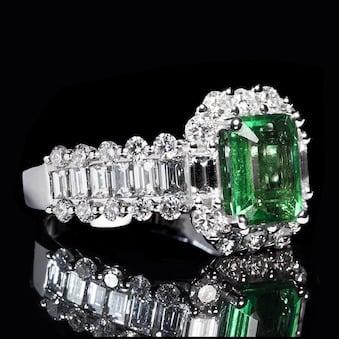 emerald-1137411_640.jpg