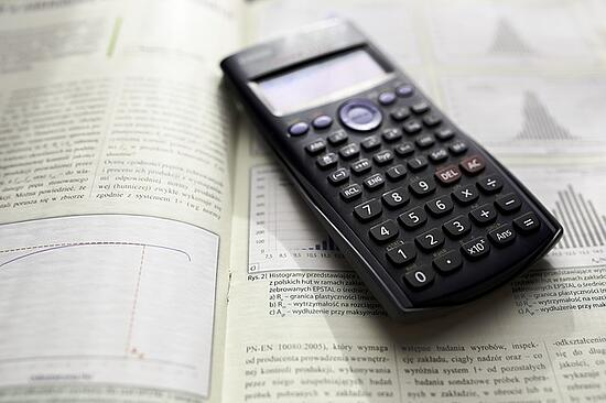 feature-calculator-on-textbook