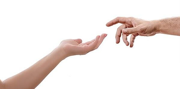 feature-hand-touch-sistine-chapel