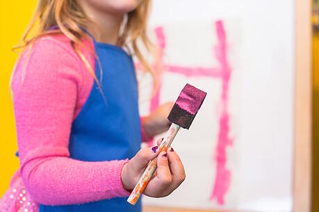 feature-kid-art-painting