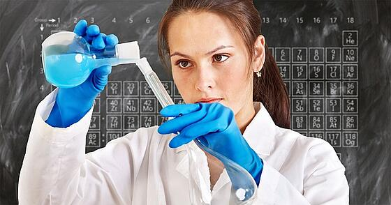 feature-woman-chemist