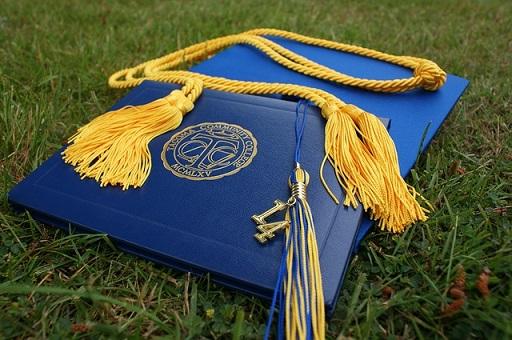 feature_diploma.jpg
