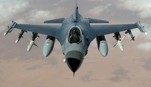 feature_fighterjet