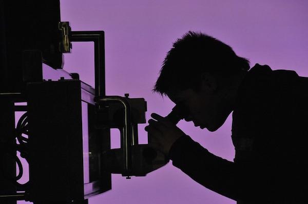 feature_microscope.jpg