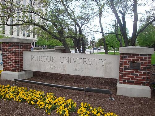 feature_purdue_university_sign_campus