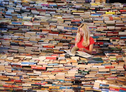 feature_readingallthebooks